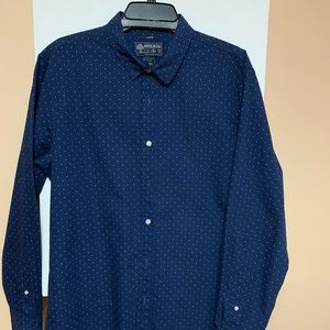 Amicable Rag shirt large blue white dots.